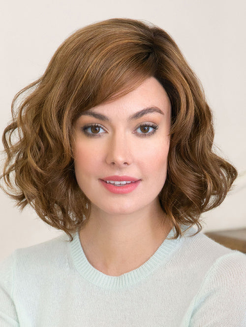 Reign : Lace Front Synthetic Wig