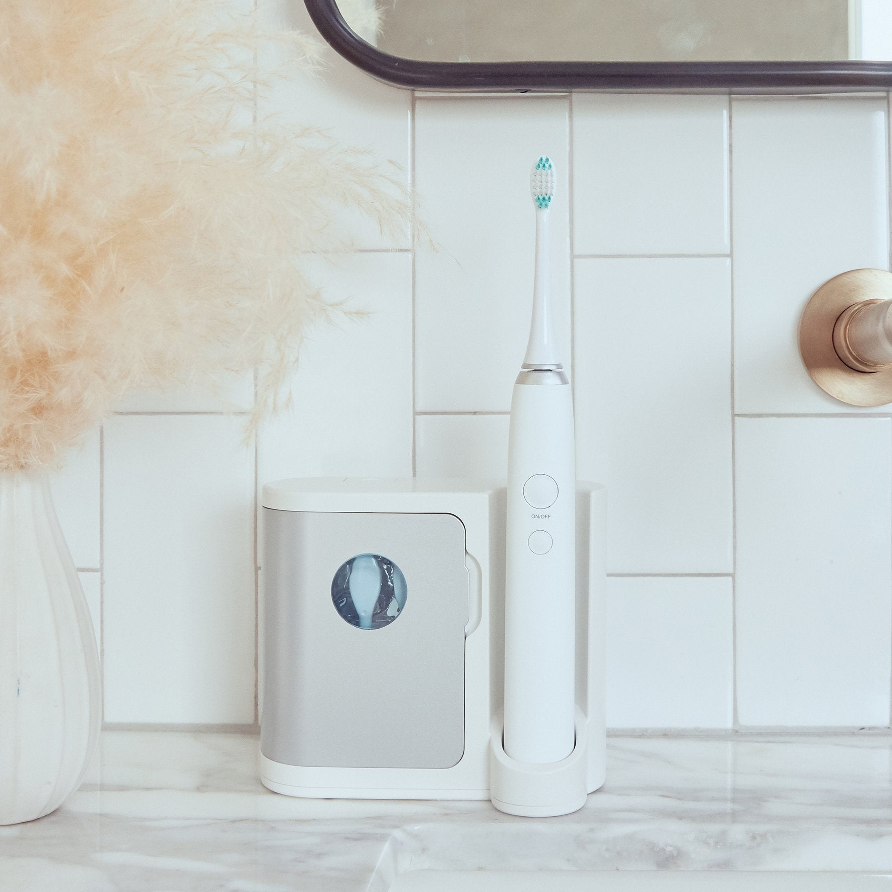 Oral Bundle | Sonic Toothbrush + UV Sanitization Case