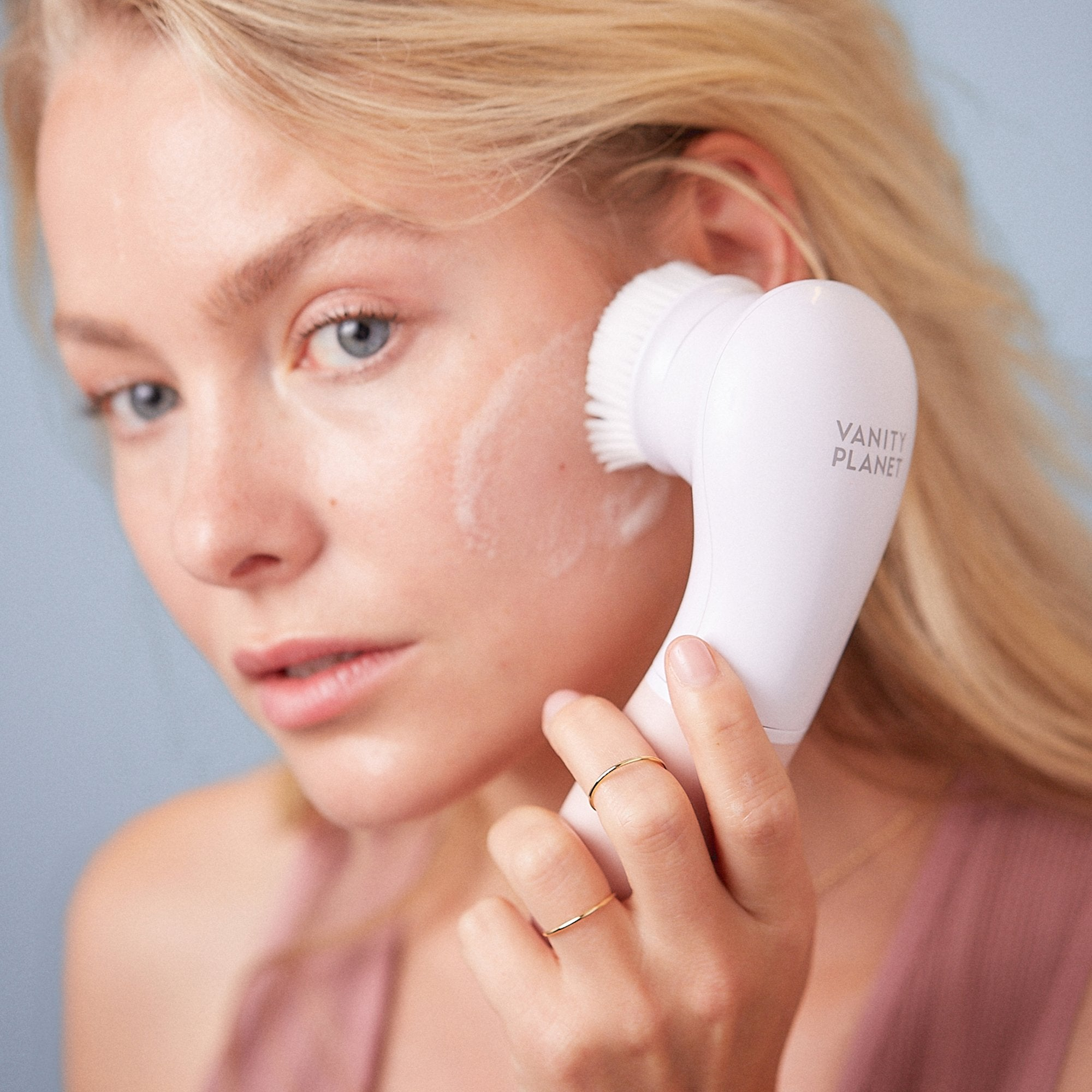 GlowSpin | Premium Facial Cleansing System*
