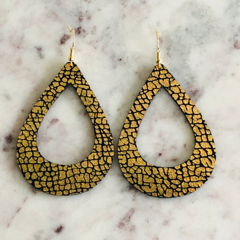 Medium Classic Teardrop Cutout