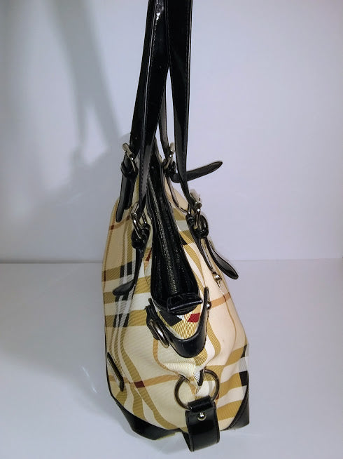 dd34d37dd62 100% Authentic Burberry Nova Check X-Large Tote Bag – Thriftin Therapy