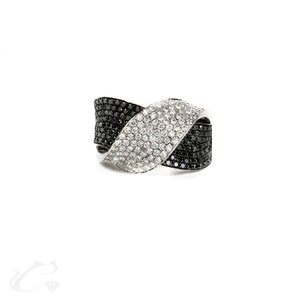 18k White & Black Diamond Twist Ring