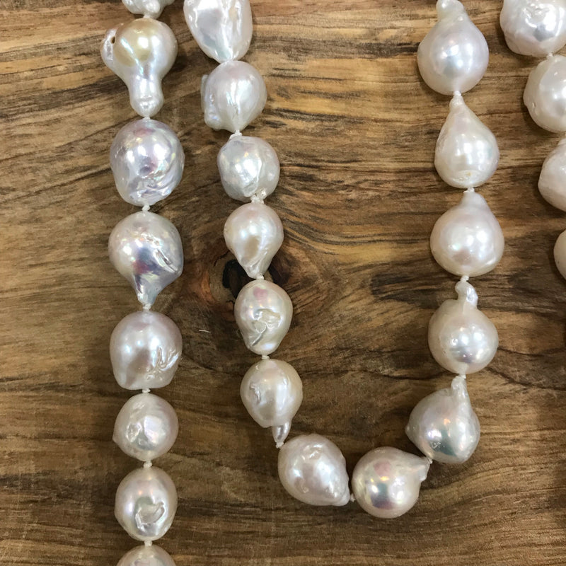 Elizabeth Pearl Necklace