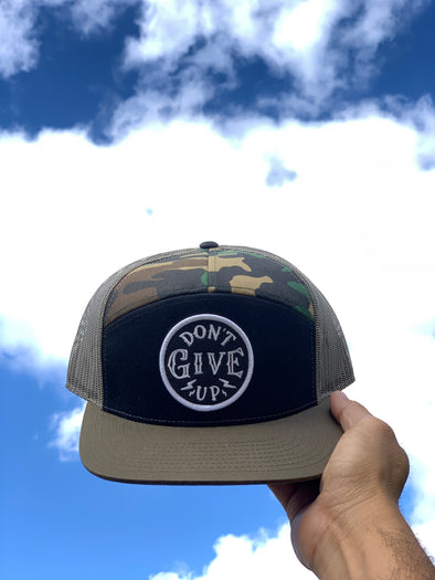 Don't give up army trucker snapback