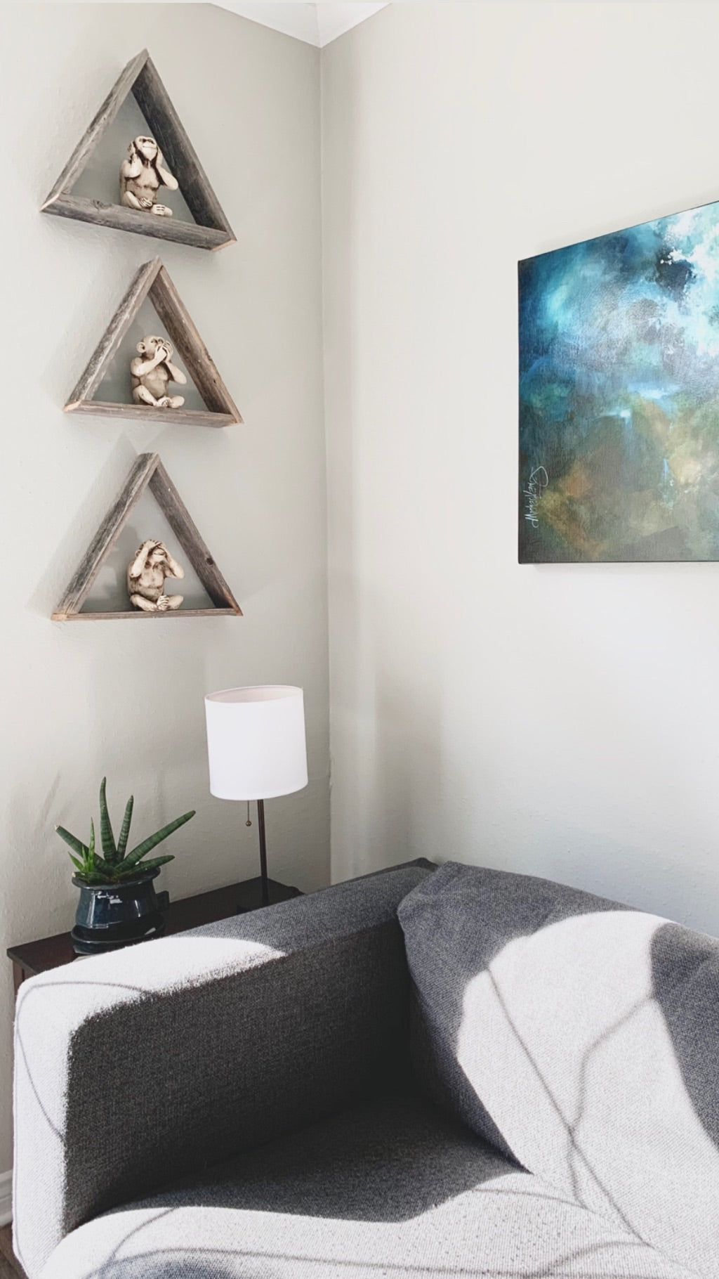 Set of 3 Wood Triangle Geometric Shelves