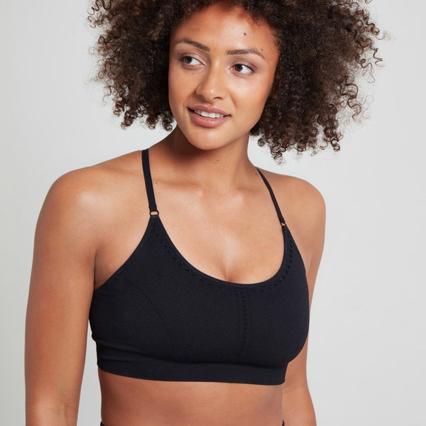 asana-strappy-bra-black-jilla-active-garmendo-sustainable-sportswear