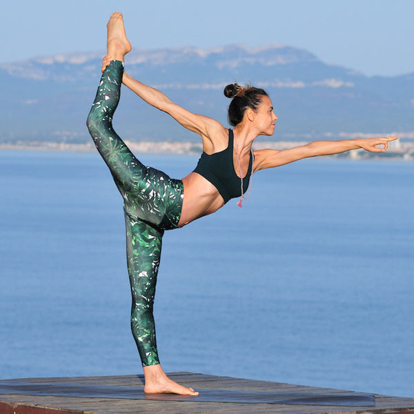 recycled-polyester-leggings-green-mandala-garmendo-sustainable-sportswear