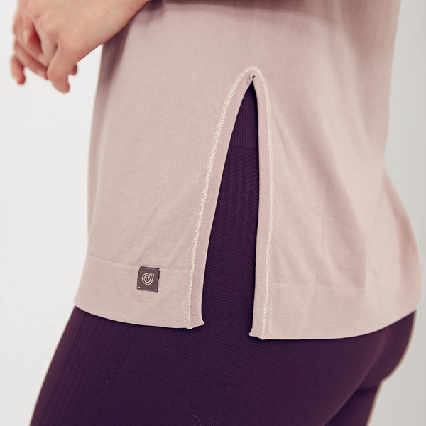 Sustainable sportswear - ethical activewear - Jilla Active Half Moon Bamboo Loose Top - Garmendo
