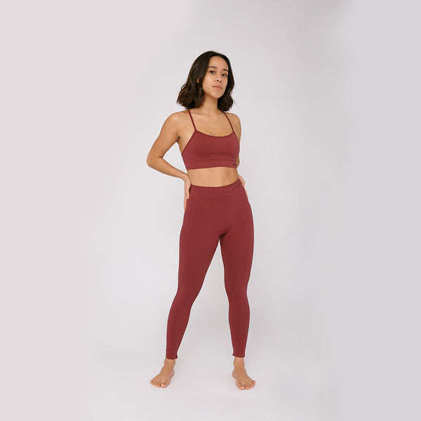 sustainable-sportswear-ethical-activewear-garmendo-organic-basics-silvertech-leggings