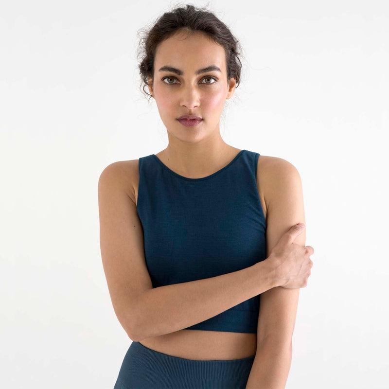 sustainable-sportswear-ethical-activewear-garmendo-jilla-active-bamboo-crop-top