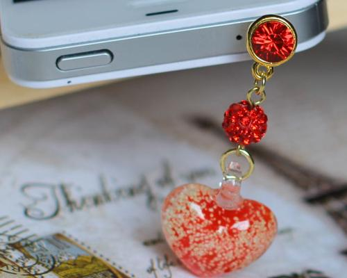 Luminous Heart Crystal Headphone Jack Plug - Red