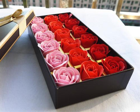 18 Pcs Romantic Rose Petal Flower Soap Gift Set - Pink