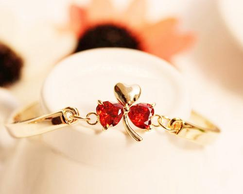 Lucky Three-leaf Clover Red Crystal Bangle