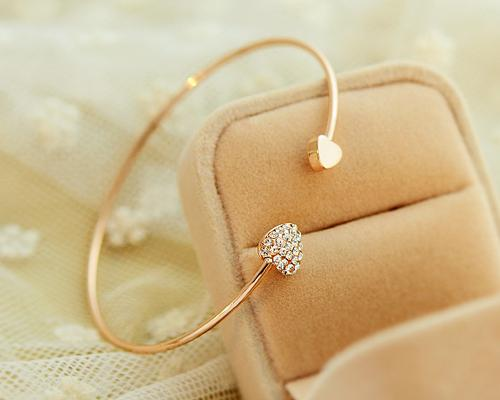 Lovely Heart Crystal Bangle