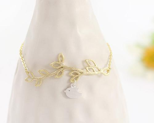 Chic Leaves Gold Bracelet