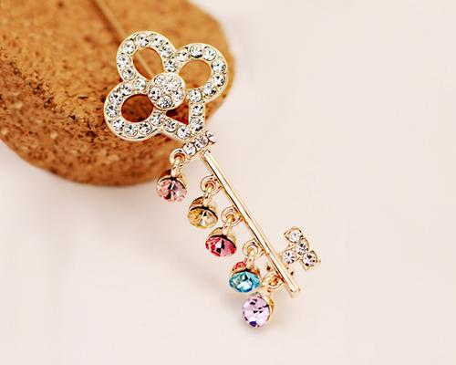 Key of Love Crystal Brooch Pin