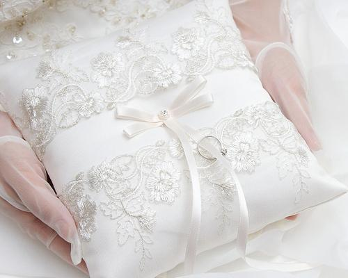 Elegant White Ribbon Lace Satin Wedding Ring Pillow