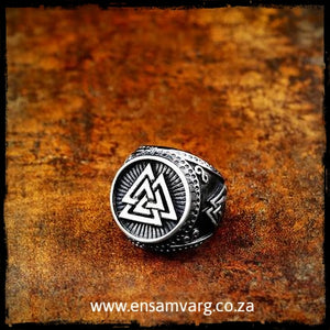 Valknut Mens Ring
