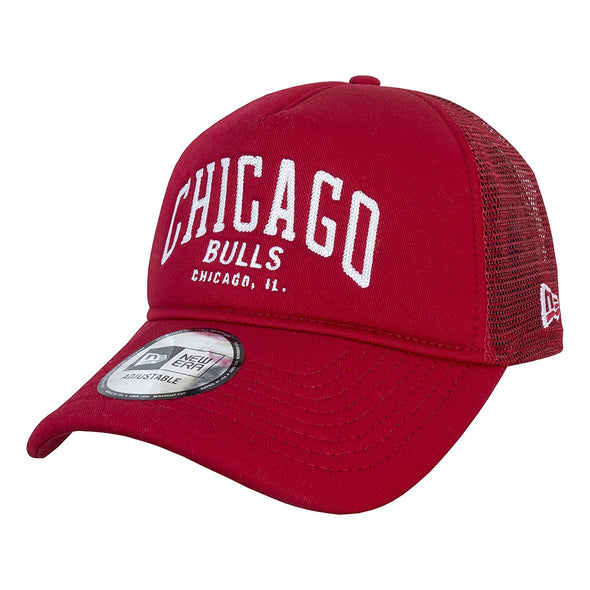 NEW ERA ADJUSTABLE TRUCKER. CHAINSTITCH CHICAGO BULLS. RED from peaknation.co.uk
