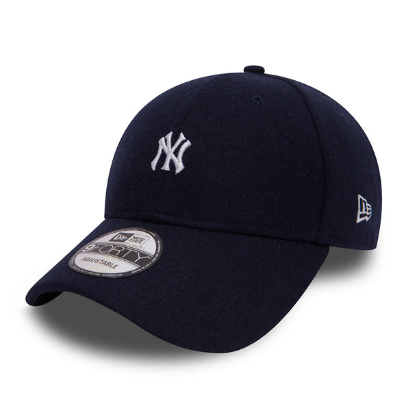 NEW ERA 9FORTY ADJUSTABLE CAP. MINI MLB MELTON NEW YORK YANKEES. NAVY