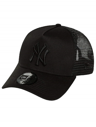 07553116744 NEW ERA CLEAN TRUCKER CAP. NEW YORK YANKEES. BLACK BLACK