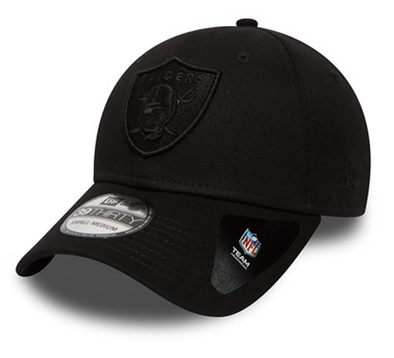 NEW ERA 39THIRTY FITTED CAP. BLACK ON BLACK OAKLAND RAIDERS from peaknation.co.uk
