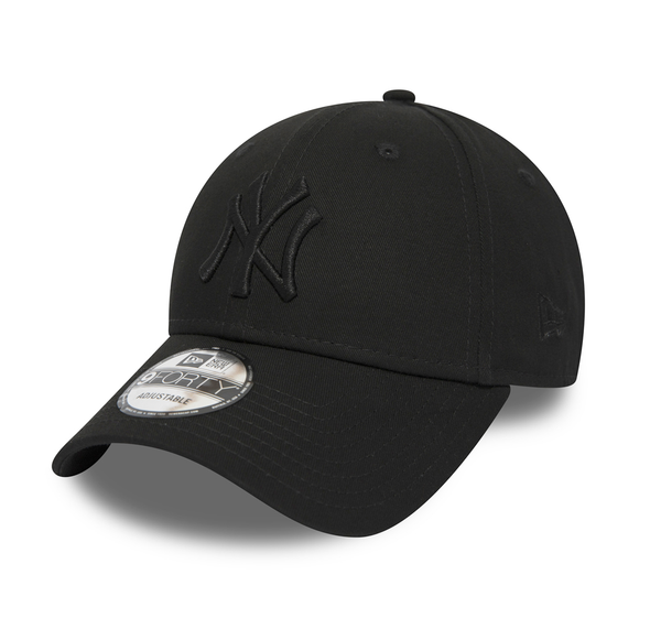 NEW ERA - NEW YORK YANKEES BLACK ON BLACK 9FORTY SNAPBACK from peaknation.co.uk