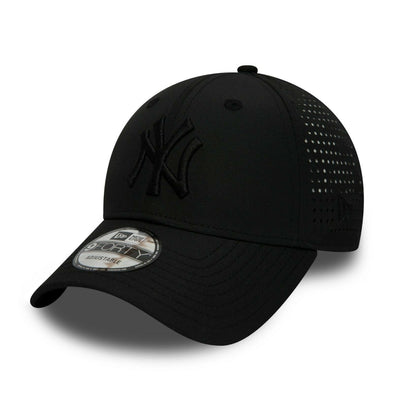 NEW ERA 9FORTY SNAPBACK CAP. FEATHER PERFORATED NEW YORK YANKEES. BLACK from peaknation.co.uk