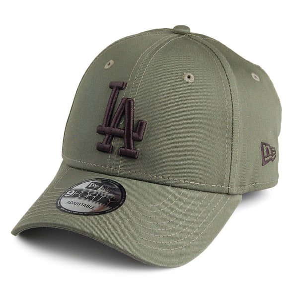 NEW ERA 9FORTY LEAGUE ESSENTIAL LOS ANGELES DODGERS. OLIVE from peaknation.co.uk