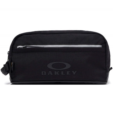 OAKLEY UTILITY BEAUTYCASE. BLACK OUT from peaknation.co.uk
