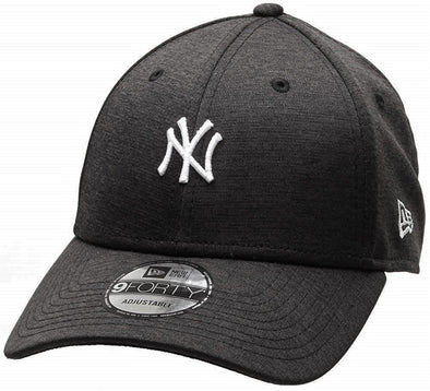 reputable site 8aae4 fd0f7 NEW ERA 9FORTY SHADOW TECH NEW YORK YANKEES. BLACK WHITE