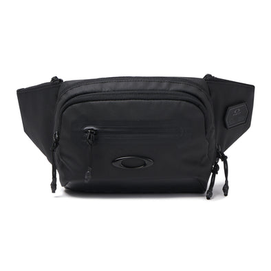 OAKLEY TRAINING BELT BAG. BLACK OUT from peaknation.co.uk