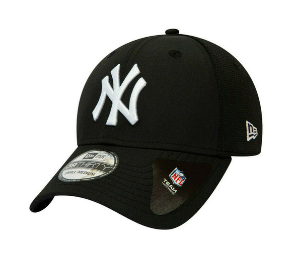 NEW ERA FEATHERWEIGHT 39THIRTY FITTED CAP. NEW YORK YANKEES. BLACK from peaknation.co.uk