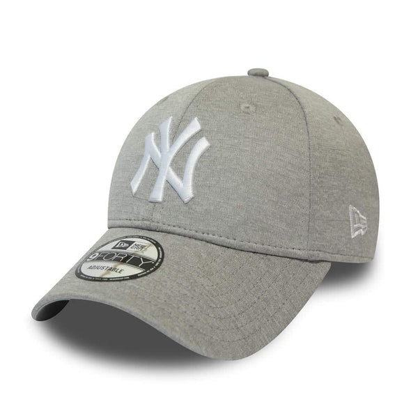 NEW ERA SHADOW TECH 9FORTY BASEBALL CAP. NEW YORK YANKEES. GREY from peaknation.co.uk