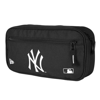 NEW ERA MLB CROSS BODY BAG. NEW YORK YANKEES. BLACK from peaknation.co.uk