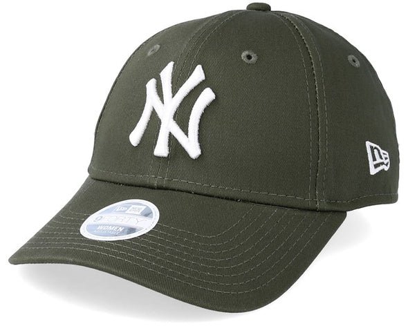 NEW ERA WOMENS LEAGUE ESSENTIAL 9FORTY CAP. NEW YORK YANKEES. OLIVE GREEN from peaknation.co.uk