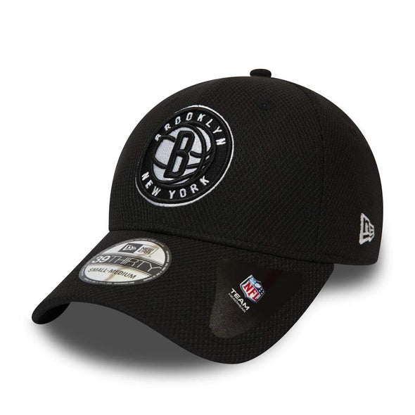 NEW ERA DIAMOND ERA 39THIRTY FITTED CAP. BROOKLYN NETS. BLACK from peaknation.co.uk