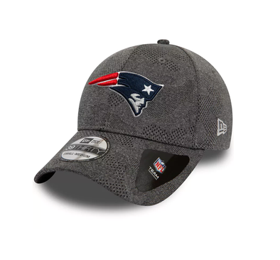 NEW ERA ENGINEERED PLUS 39THIRTY FITTED CAP. NEW ENGLAND PATRIOTS. BLACK from peaknation.co.uk