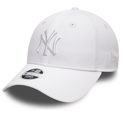 NEW ERA WOMENS ESSENTIAL 9FORTY CAP. NEW YORK YANKEES. WHITE/WHITE from peaknation.co.uk