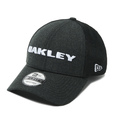 OAKLEY HEATHER NEW ERA 9FORTY CAP. BLACKOUT from peaknation.co.uk