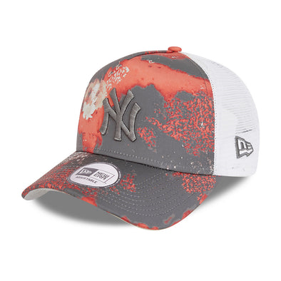 NEW ERA SEASONAL CAMO A-FRAME TRUCKER. NEW YORK YANKEES. GREY