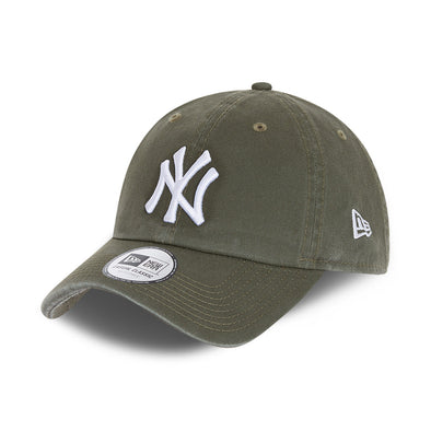 NEW ERA TEAM CASUAL CLASSIC 9TWENTY CAP. NEW YORK YANKEES. OLIVE/WHITE