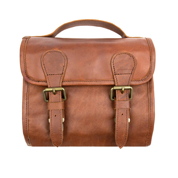 Handmade  Brown Leather Hanging Wash Bag - Style has no boundaries.com