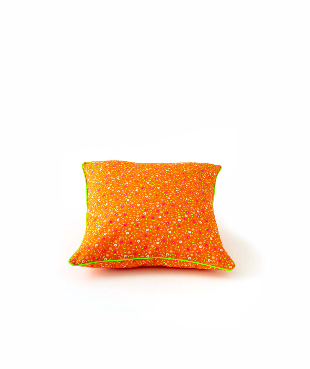 Coussin carré 3 boutons Peace and Love orange Petit Pan