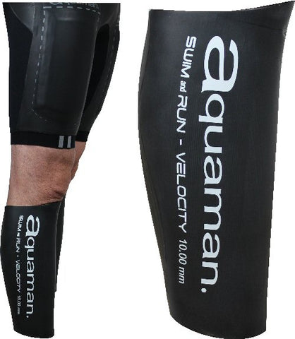 Calf guards Aquaman swimrun