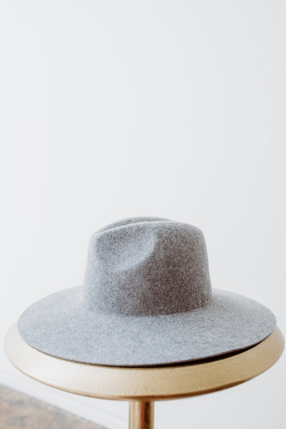 Gigi Pip-Scottie Wide Brim Grey