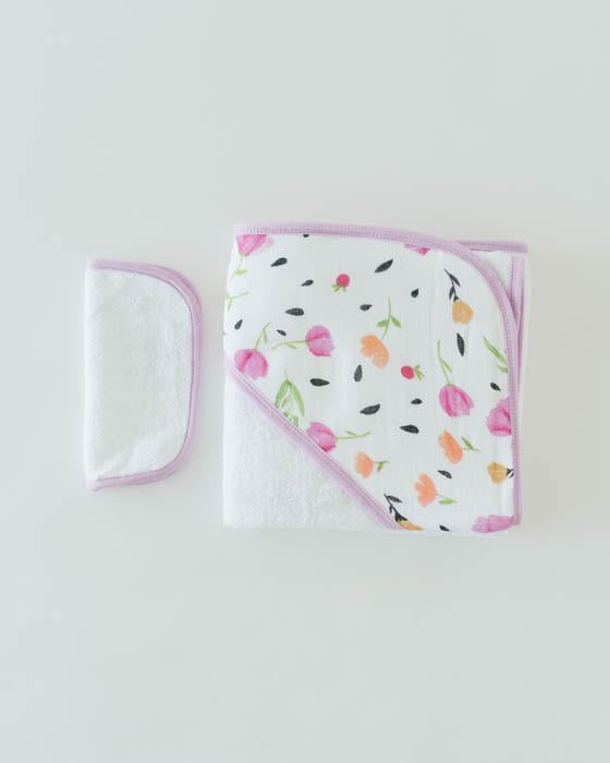 Little Unicorn Hooded Towel and Washcloth Set - Berry & Bloom