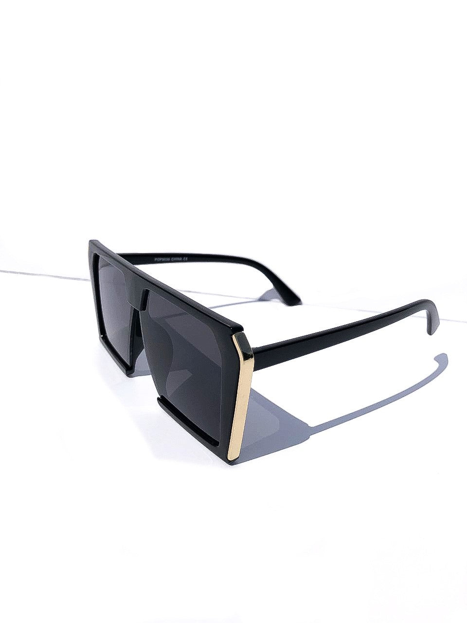 The 'Malibu' Sunglasses in Black