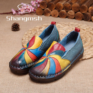 Shangmsh women's flat shoes Genuine leather Female slip on shoes  Fashion Soft Nurse Peas Loafer Flats Plus Size up to 43