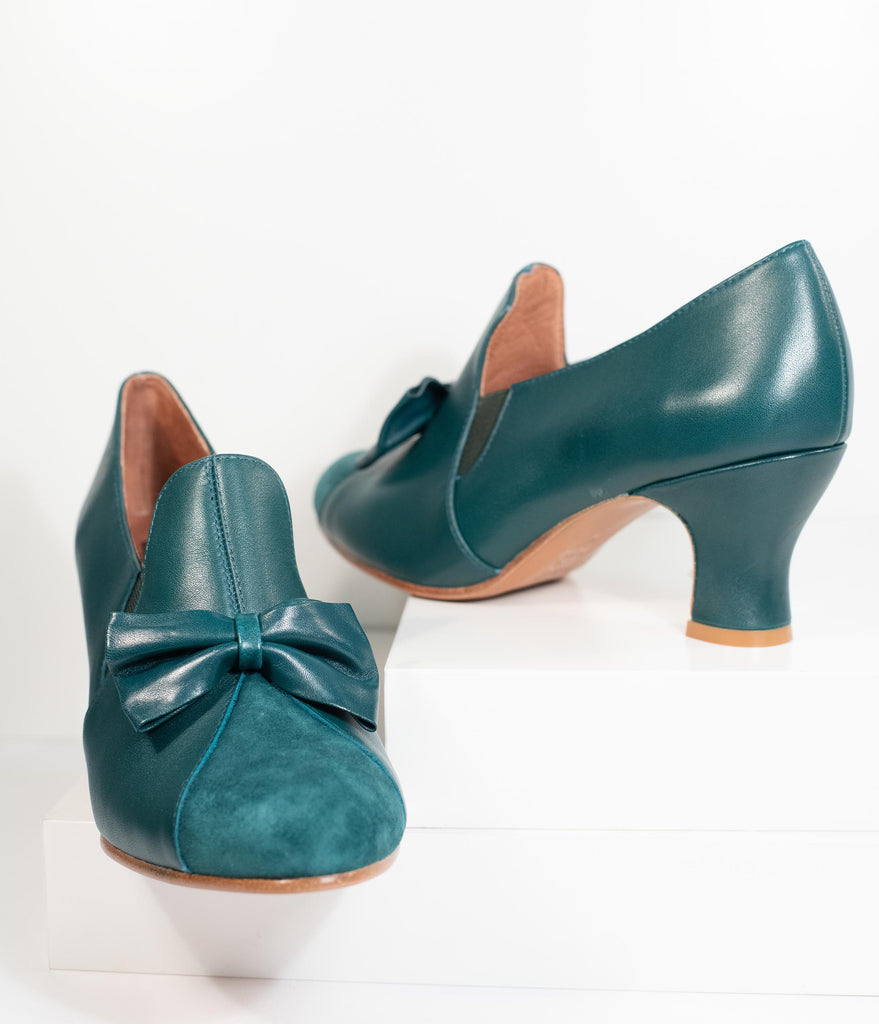 Royal Vintage Emerald Green Leather Bow Maria Pumps